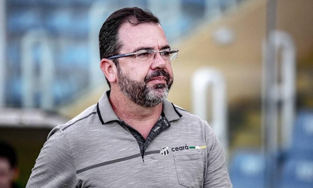 Foto: Enderson Moreira, que viajou de carro de Fortaleza a Belo Horizonte para assinar contrato com o Cruzeiro