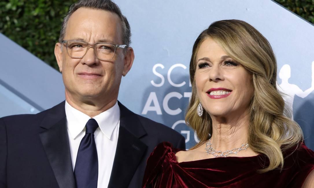 Tom Hanks e Rita Wilson comparecem ao último SAG Awards, em 19 de janeiro: após contrair coronavírus, casal segue quarentena na Austrália, mas passa bem Foto: Monica Almeida / REUTERS