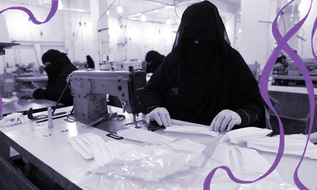 Em uma fábrica na capital do Iêmen, Sanaa, mulheres produzem máscaras médicas Foto: AFP