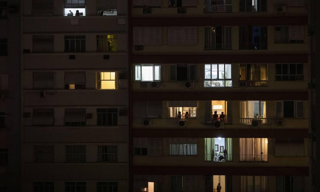 Edifício em Copacabana com moradores em quarentena Foto: Ana Branco / Agência O Globo