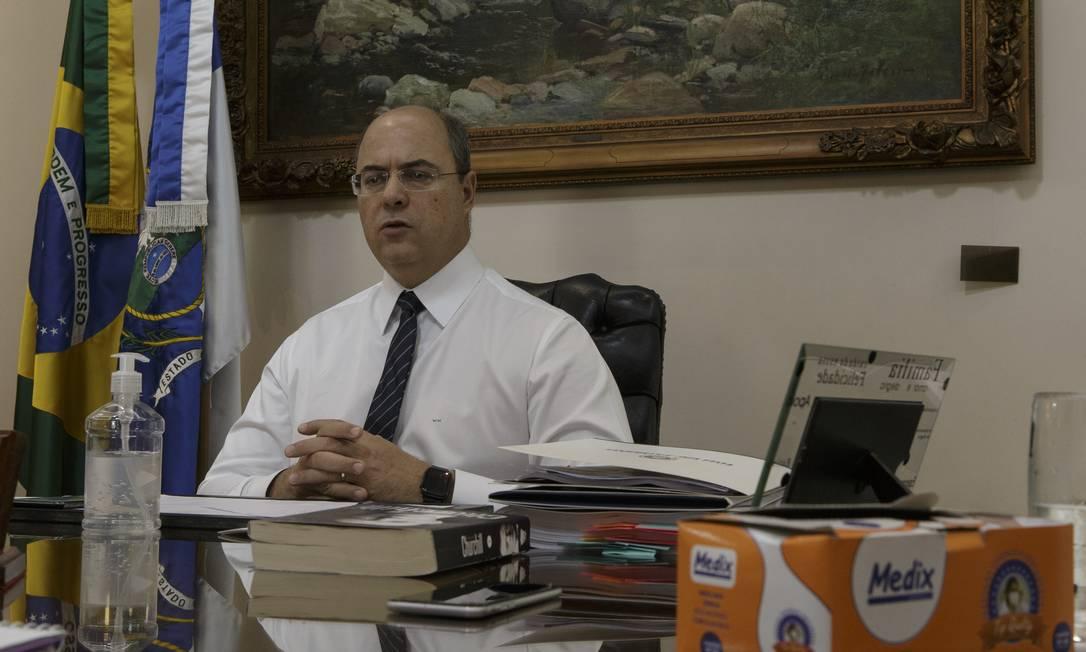 Em entrevista, governador afirma que precisamos nos preparar para uma crise de seis meses Foto: Alexandre Cassiano / Agência O Globo