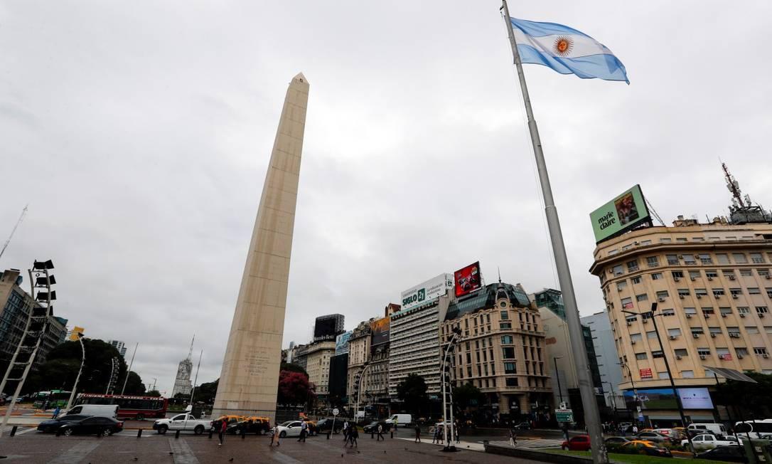 Obelisco de Buenos Aires vazio durante pandemia de Covid-19 Foto: AGUSTIN MARCARIAN / REUTERS / 17-03-2020