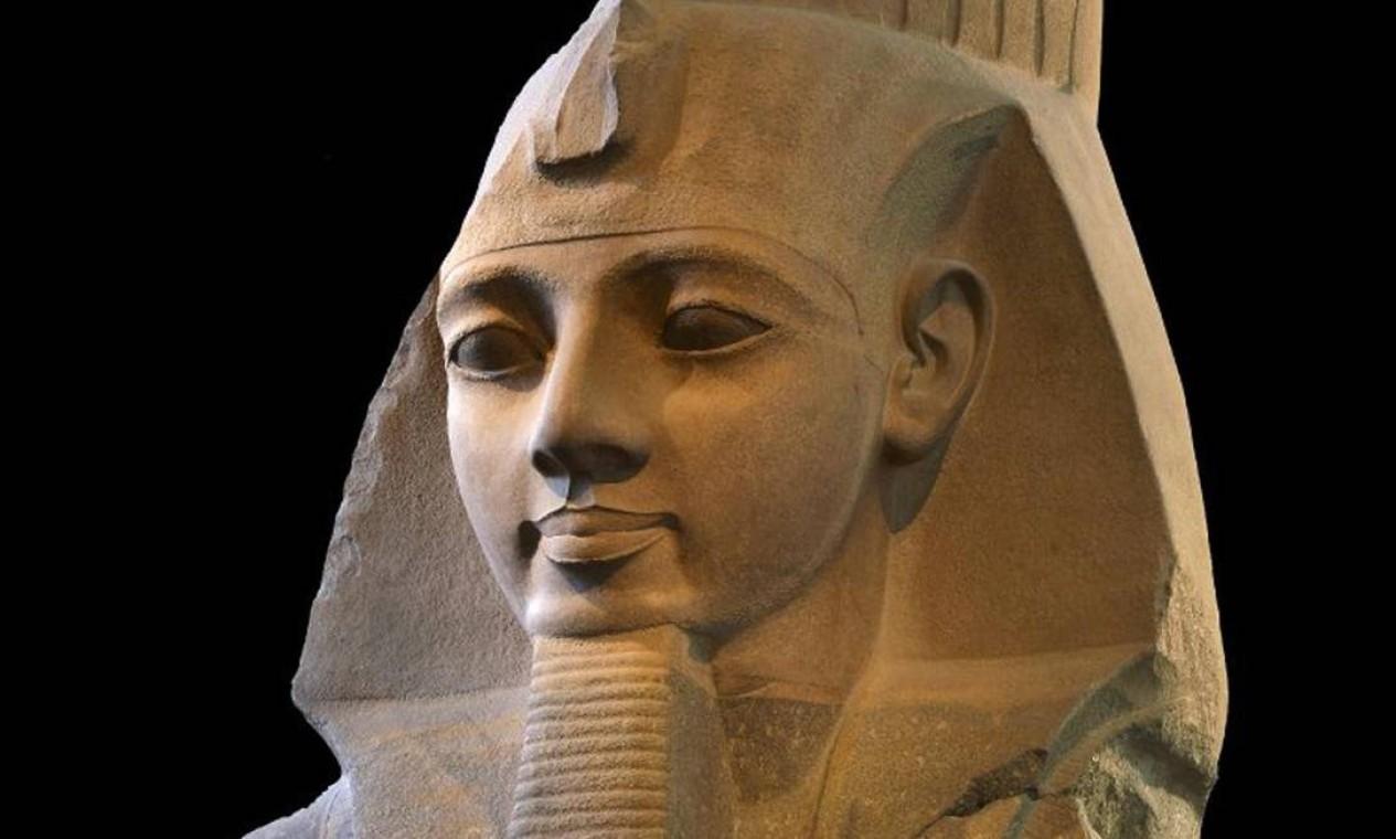 Estátua egípcia de Ramsés II, 1250 aC, no British Museum Foto: Reprodução