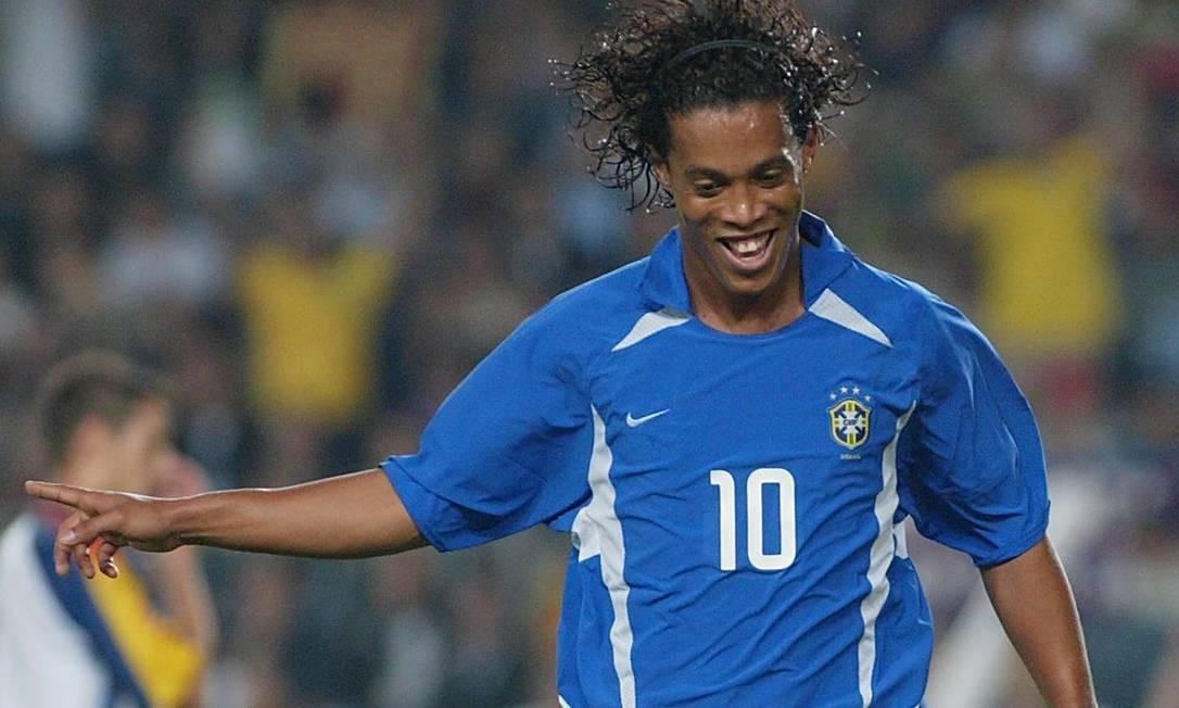 Em 2002, Ronaldinho disputou sua primeira Copa do Mundo, na edição em que o Brasil foi penta campeão Foto: Cesar Rangel / Agência O Globo