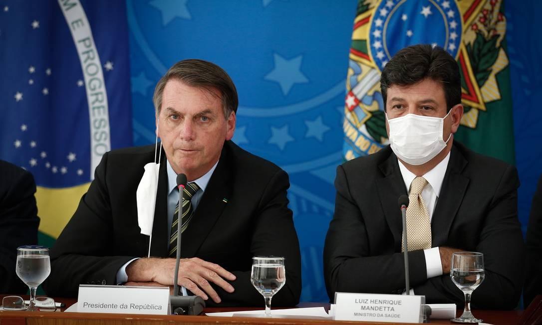 Após negativa do Ministério da Saúde na gestão Mandetta para flexibilizar isolamento, Planalto passou a agir por decreto Foto: Pablo Jacob / Agência O Globo