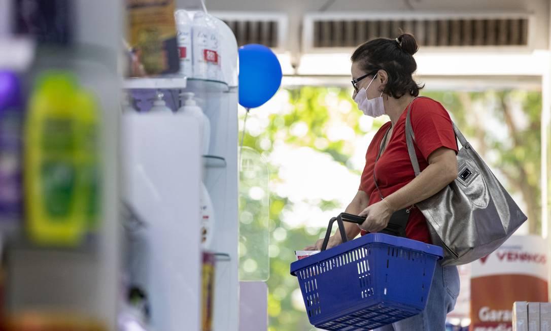 Cloroquina, medicamento contra doenças autoimunes, está em falta em todas as farmácias do Rio Foto: Ana Branco / Agência O Globo