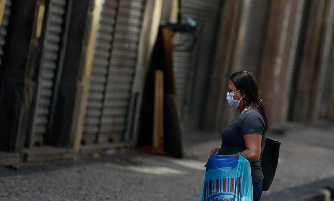 Rio ficou com ruas mais vazias após decreto da prefeitura fechar boa parte do comércio no Rio Foto: Roberto Moreyra / Agência O Globo
