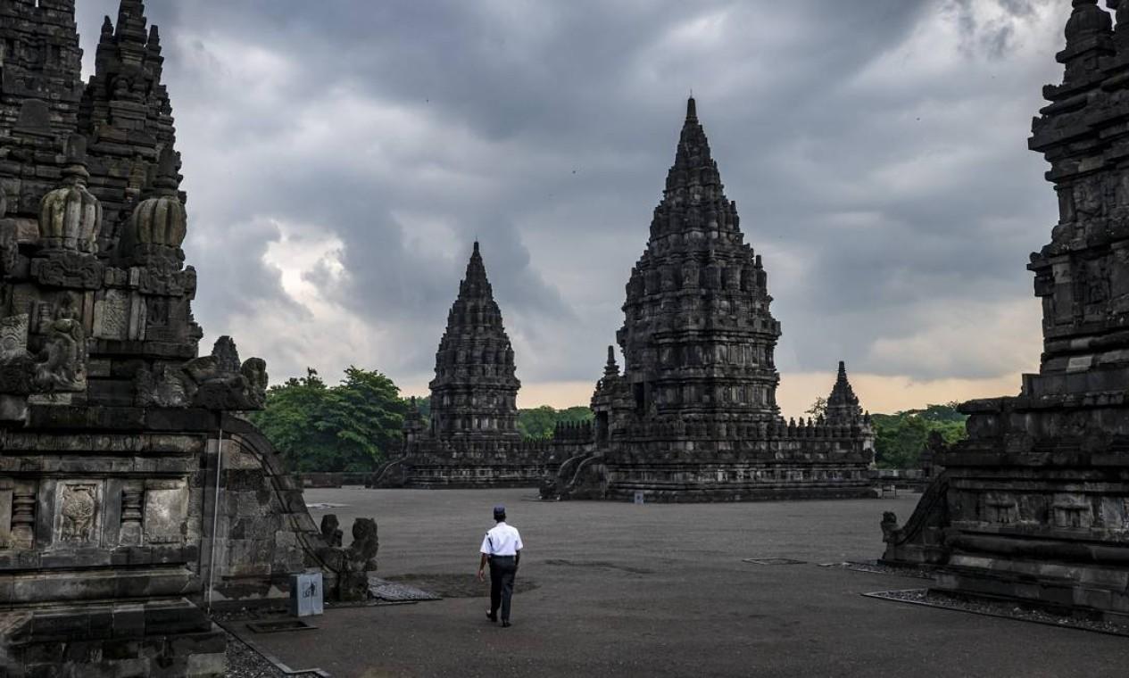 Yogyakarta, Indonésia, onde apenas os prédios precisavam ser guardados em um complexo de templos Foto: ULET IFANSASTI / NYT