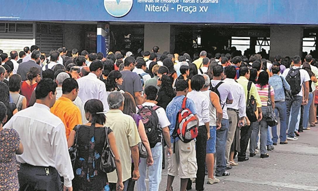Nas barcas, só entraram trabalhadores de áreas essenciais Foto: / Agência O Globo