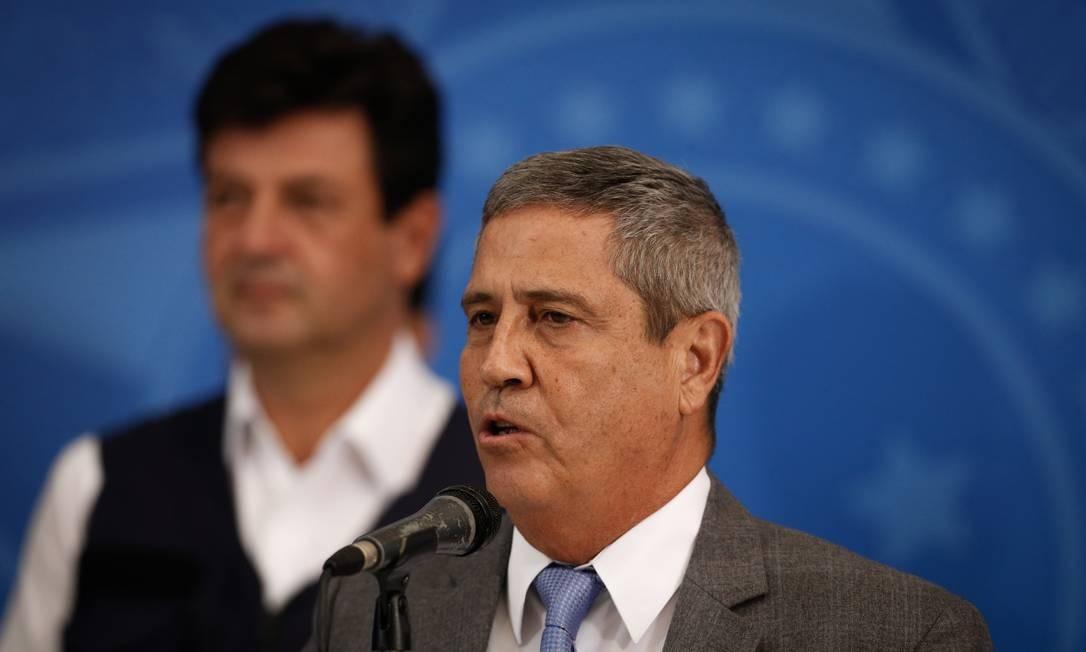 Ministro da Casa Civil, General Braga Netto, e o ministro da Saude Luiz Henrique Mandetta Foto: Pablo Jacob / Agência O Globo