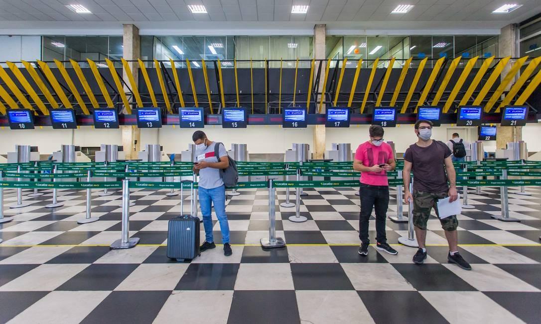 Aeroporto de Congonhas vazio retrata a crise que enfrenta o setor aéreo Foto: Edilson Dantas / Agência O Globo