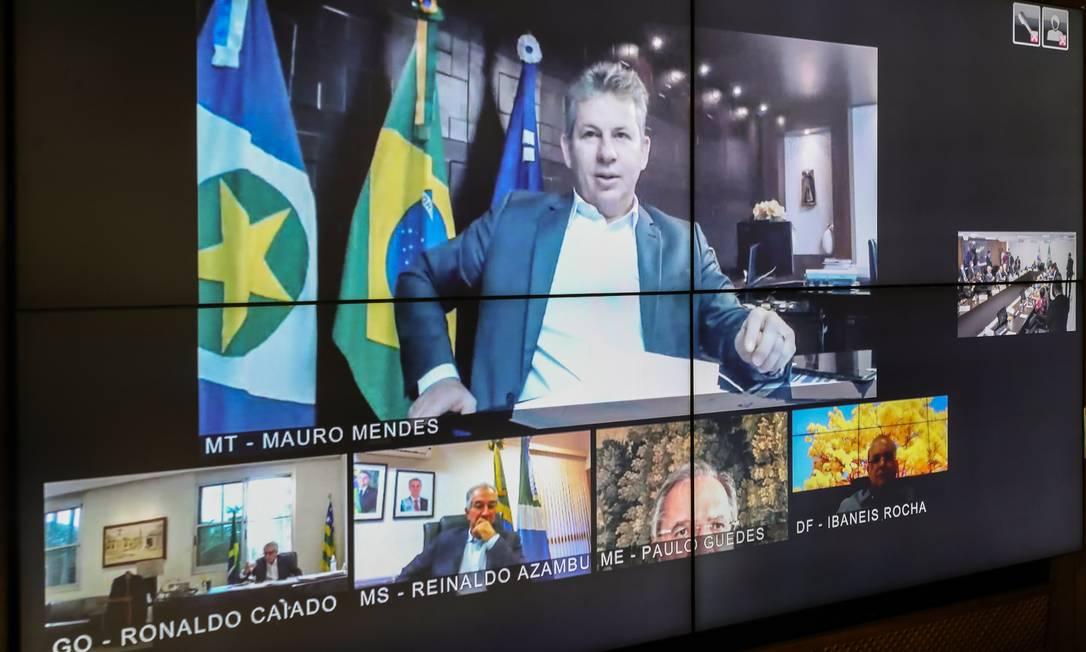 Governadores do Centro-Oeste reunidos por videoconferência com o presidente Bolsonaro e seu ministros Foto: Marcos Corrêa / PR