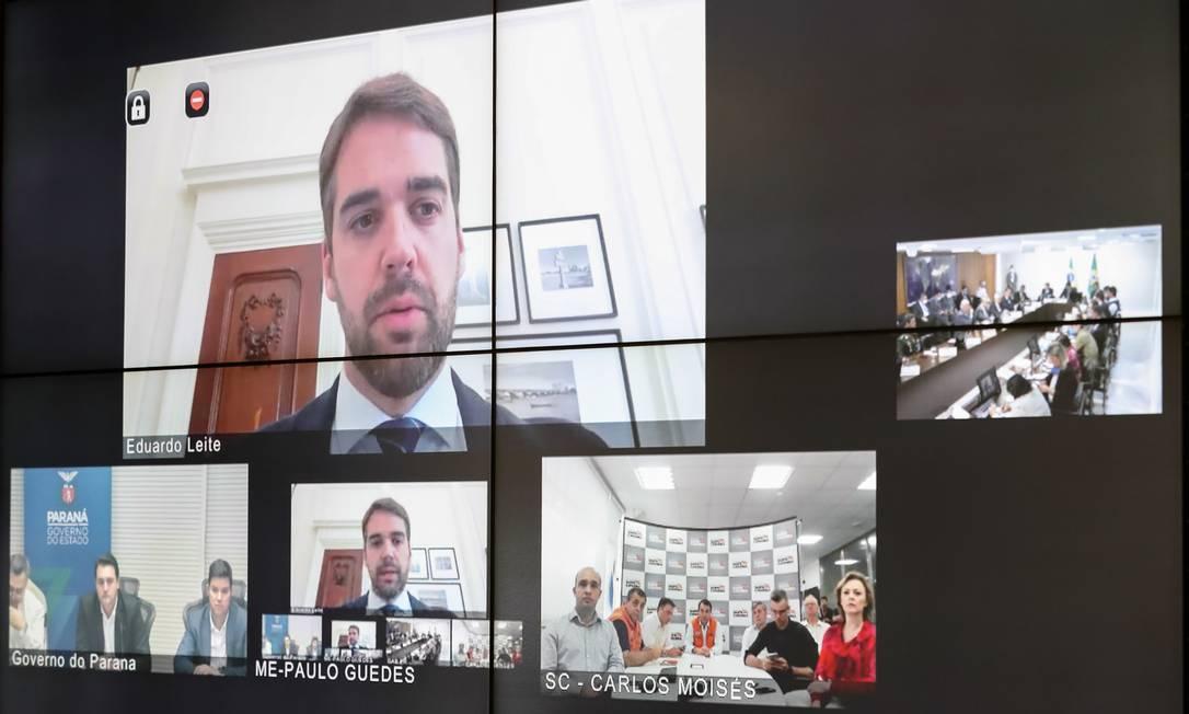 Governadores do Sul reunidos por videoconferência com o presidente Bolsonaro e seu ministros Foto: Marcos Corrêa / PR
