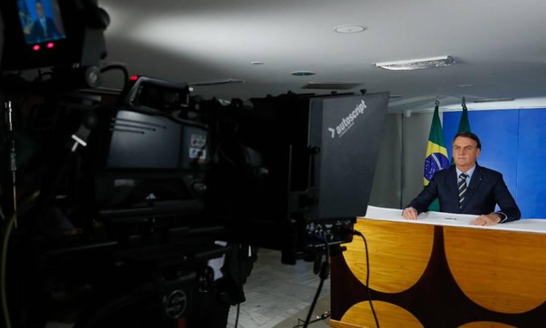 O presidente Jair Bolsonaro grava pronunciamento sobre coronavírus Foto: Reprodução/Twitter