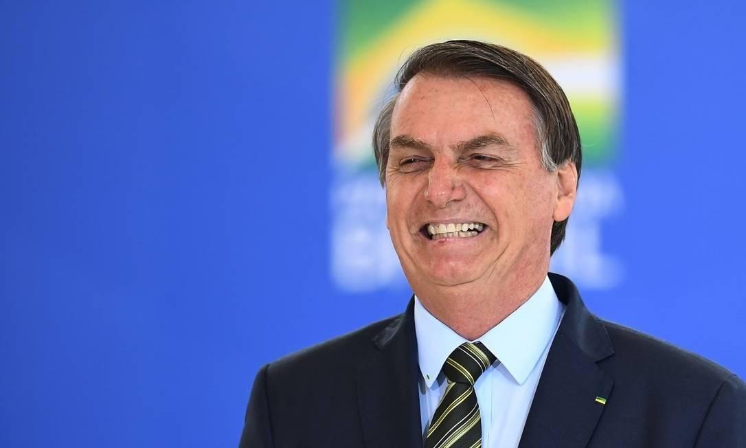 Quem acessa a Agência Brasil pode pensar que vive num mundo fanástico. Estatal é controlada pelos militares, mas Carlos Bolsonaro ficaria orgulhoso Foto: Evaristo Sá/AFP