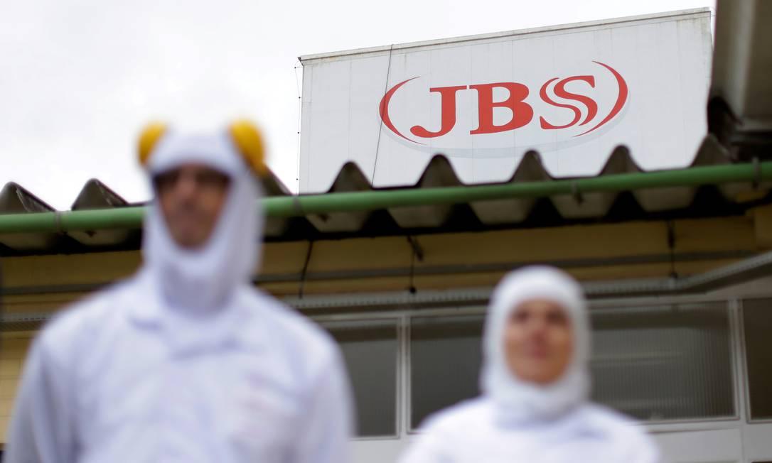 A JBS teve lucro líquido de R$ 2,4 bilhões no último trimestre do ano passado Foto: Ueslei Marcelino / REUTERS