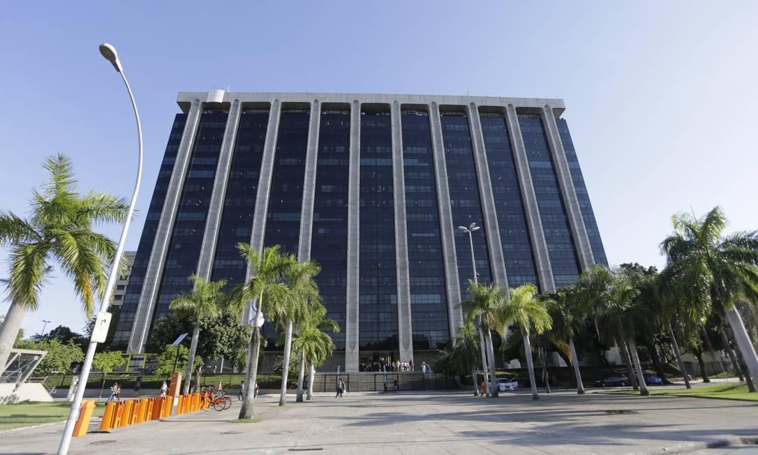 Prefeitura do Rio teve pagamento de dívidas suspenso pela Justiça Foto: Domingos Peixoto / Agência O Globo