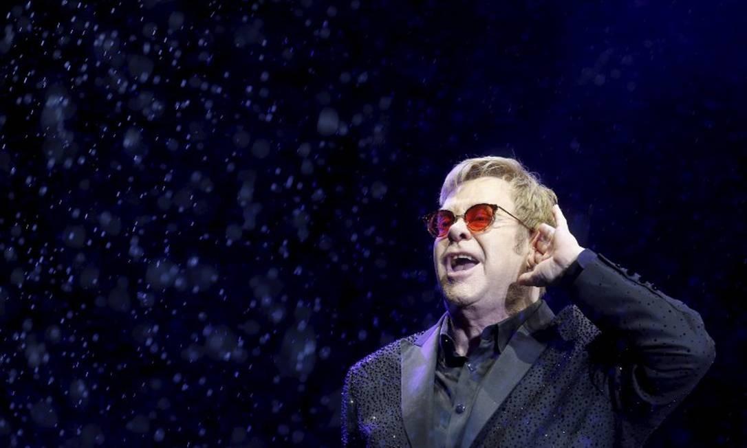 Com Elton John comandando os trabalhos, artistas farão apresentação de suas casas Foto: Marcelo Carnaval / Agência O Globo
