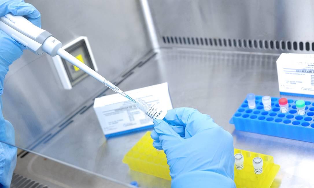 Kits de diagnóstico do novo coronavirus, produzidos a partir de pesquisas da Fiocruz Foto: Bernardo Portella / Bio-Manguinhos/Fiocruz