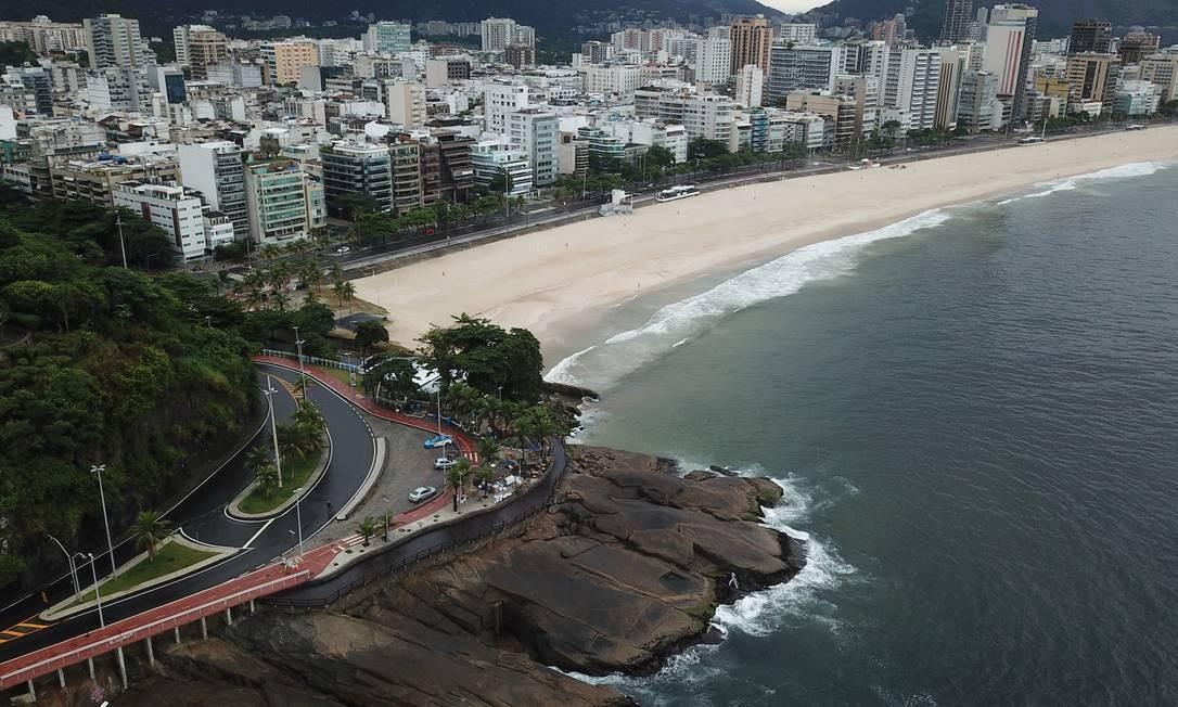 Avenida Oscar Niemeyer e Praia do Leblon Foto: Custodio Coimbra / Agência O Globo