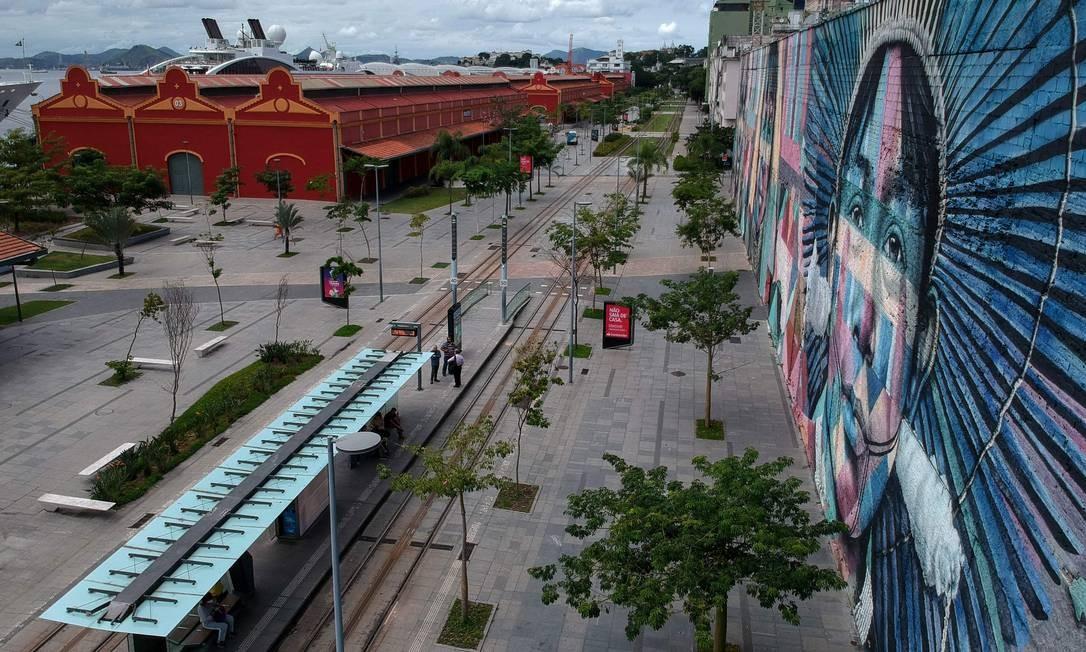 """O grafite """"Etnias"""", do artista brasileiro Eduardo Kobra, na Zona Portuária Foto: MAURO PIMENTEL / AFP"""