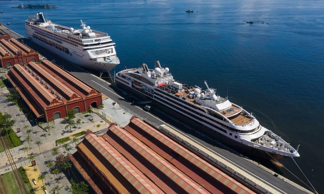 Navios de cruzeiro no porto do Rio de Janeiro Foto: Brenno Carvalho/Agência O Globo