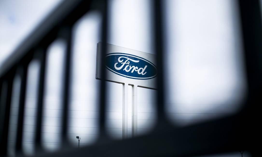 A Ford pretende começar a reabrir suas fábricas nos EUA a partir do dia 14 de abril Foto: Anthony Lanzilote / Bloomberg