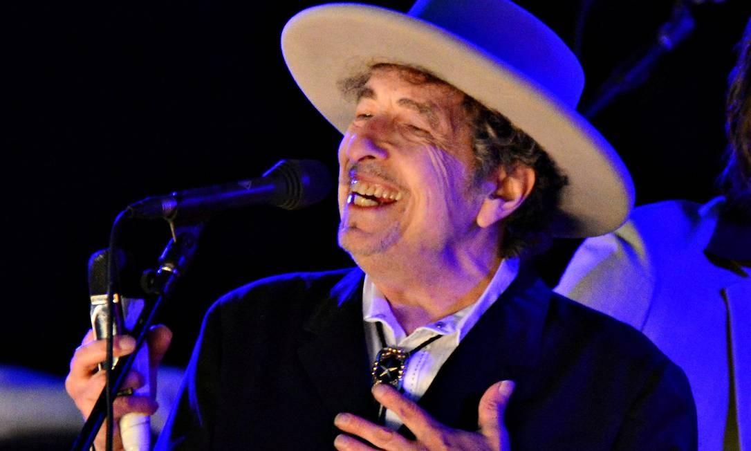 Bob Dylan durante apresentação no The Hop Festival em Paddock Wood, em junho de 2012 Foto: Ki Price / Reuters