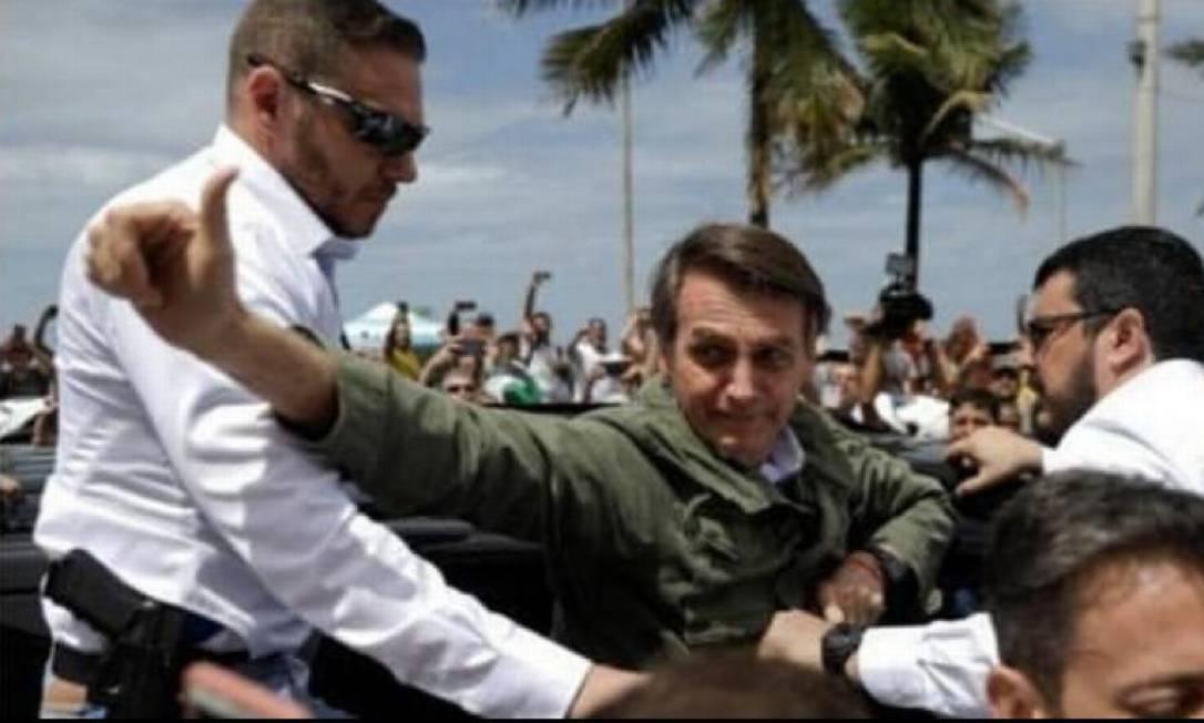 Campetti, à esquerda, durante a campanha de Bolsonaro Foto: Reprodução
