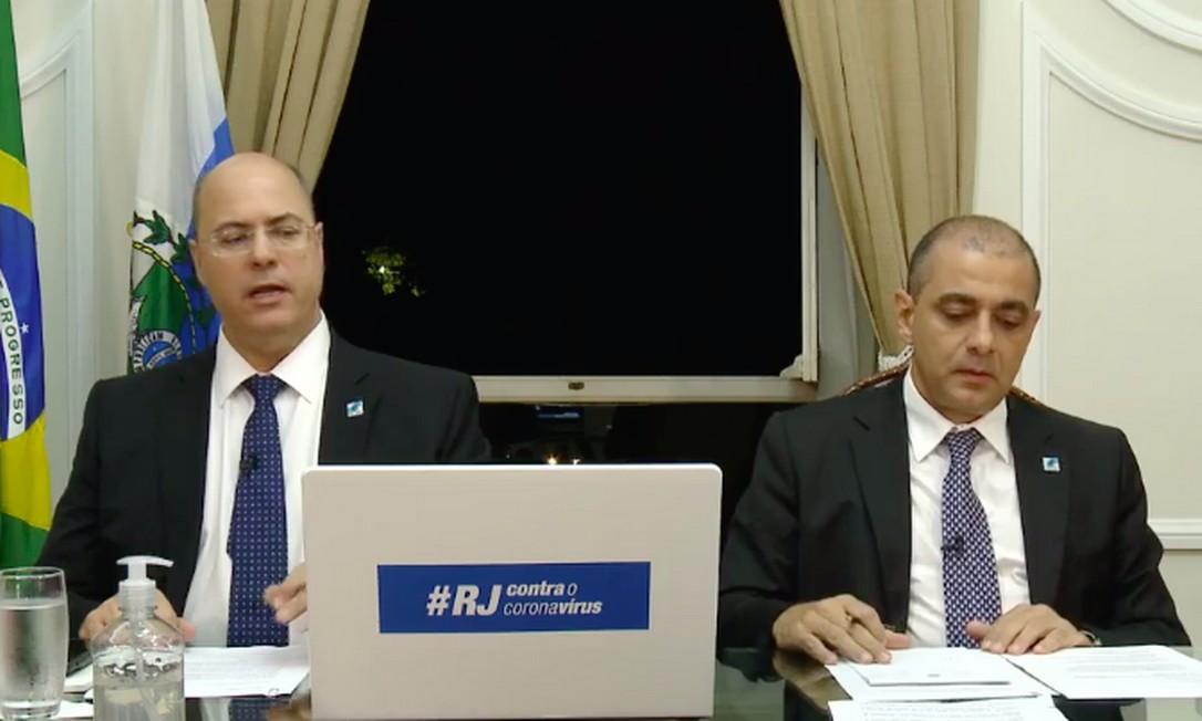 O governador Wilson Witzel e o secretário estadual de Saúde, Edmar Santos, em live no Facebook Foto: Reprodução