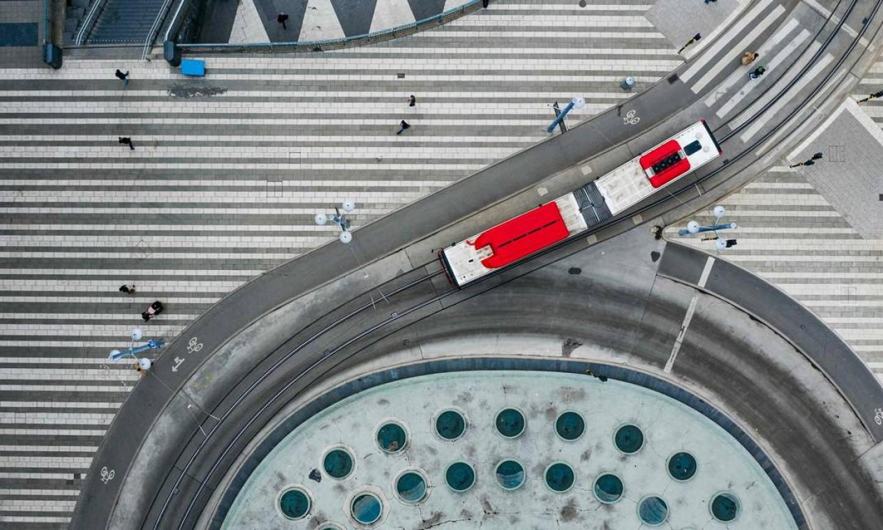 Praça Sergels, em Estocolmo, Suécia Foto: JONATHAN NACKSTRAND / AFP