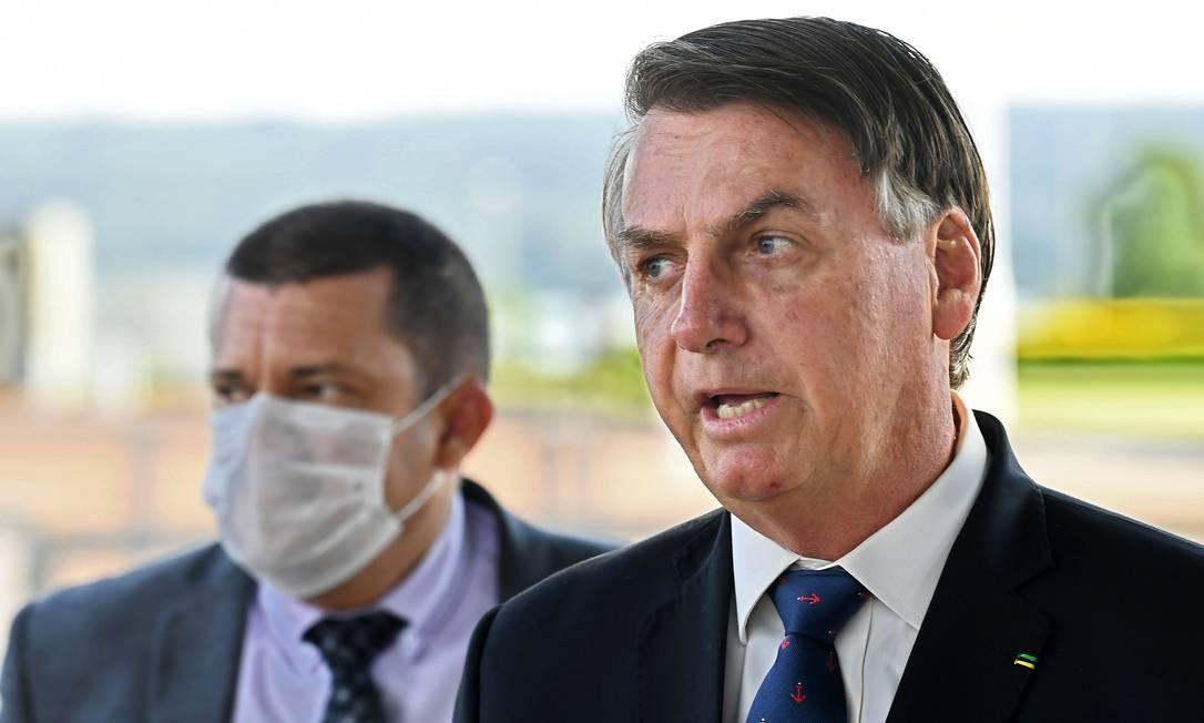 Presidente Jair Bolsonaro em frente ao Palácio da Alvorada Foto: EVARISTO SA / AFP