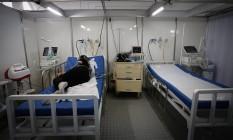 Em Brasília, tenda de atendimento a pacientes com dengue foi transformada em espaço de cuidado a pacientes com coronavírus. Foto: Pablo Jacob / Agência O Globo