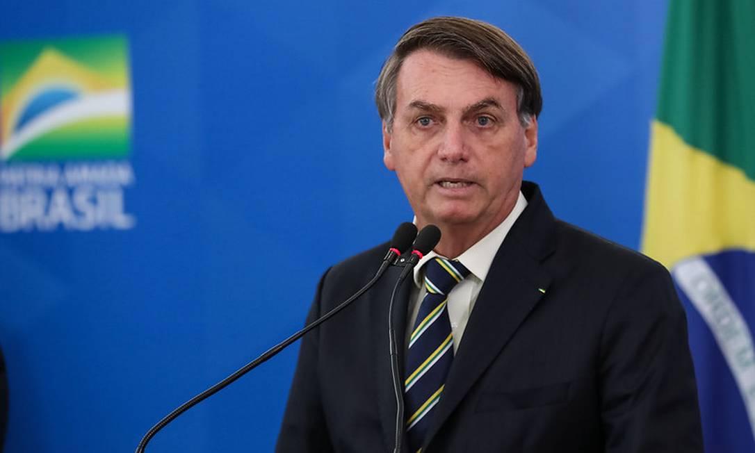 O presidente Jair Bolsonaro em coletiva de imprensa: a partir de agora, Planalto concentrará compartilhamento de informações sobre novo coronavírus Foto: Presidência
