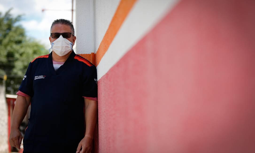 O enfermeiro Inaldo Sarmento Basílio, de 43 anos, pegou o H1N1 na época da pandemia Foto: Pablo Jacob / Agência O Globo