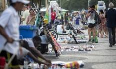 Vendedores ambulantes estão entre os que poderão receber auxílio de R$ 600 Foto: Hermes de Paula / Agência O Globo