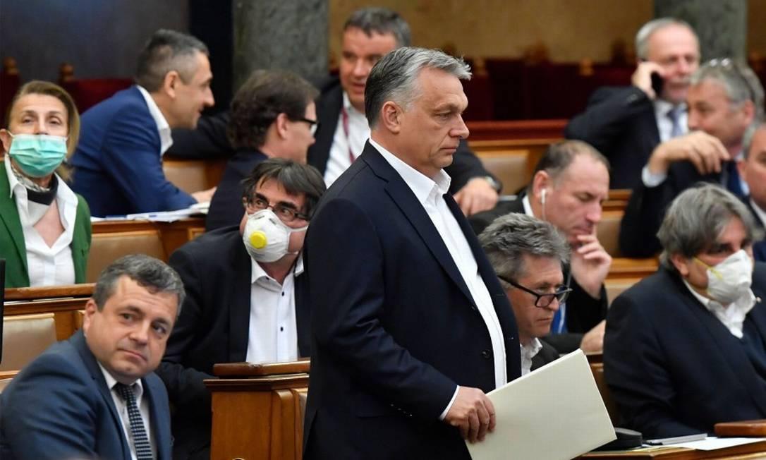 Viktor Orbán, durante votação da lei no Parlamento húngaro Foto: ZOLTAN MATHE / AFP / 30-03-2020