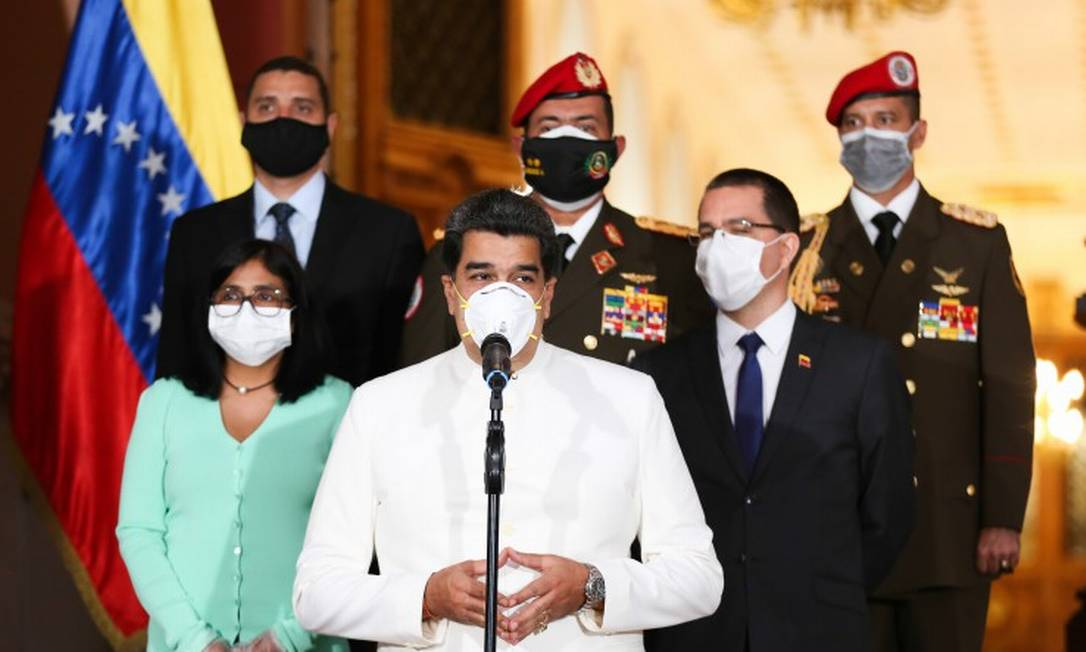 Presidente venezuelano, Nicolás Maduro, durante entrevista coletiva Foto: ZURIMAR CAMPOS / AFP / 31-03-2020