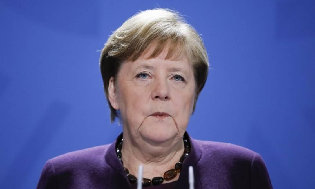 Chanceler alemã Angela Merkel durante entrevista coletiva Foto: MARKUS SCHREIBER / AFP