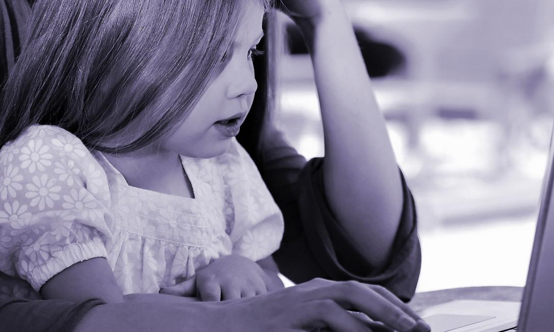 Sintomas como fadiga, esquecimento, insônia, irritabilidade, dificuldade de concentração e dores de cabeça são mais comuns entre mulheres com alta sobrecarga de trabalho doméstico Foto: Pixabay