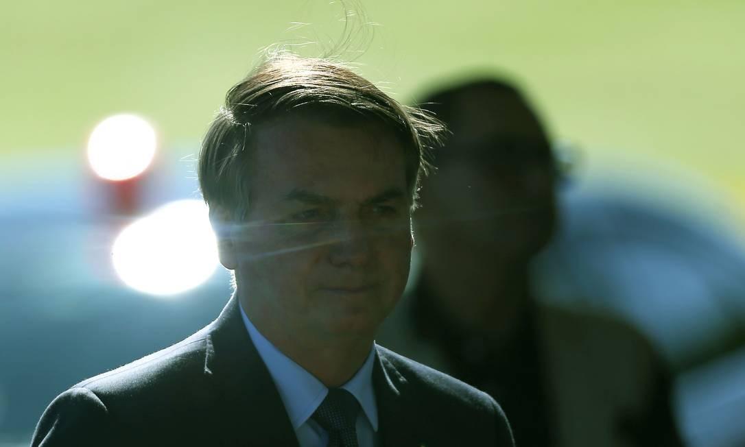 O presidente Jair Bolsonaro na saída do Palácio da Alvorada Foto: Jorge William / Agência O Globo