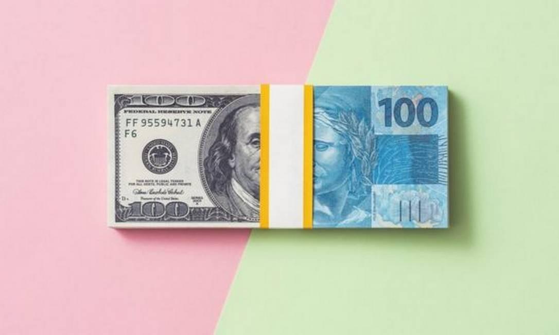 Em março, o Brasil viu a cotação do dólar atingir valores recordes, diante do colapso dos preços do petróleo e de temores econômicos relacionados ao coronavírus Foto: Getty Images