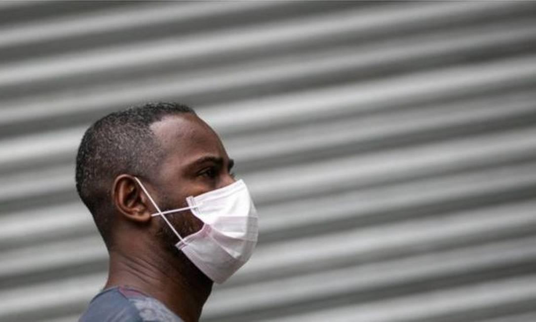 Especialistas ouvidos pela BBC dizem que o uso de máscara não é a forma mais eficaz de prevenir contra a covid-19 Foto: GETTY IMAGES