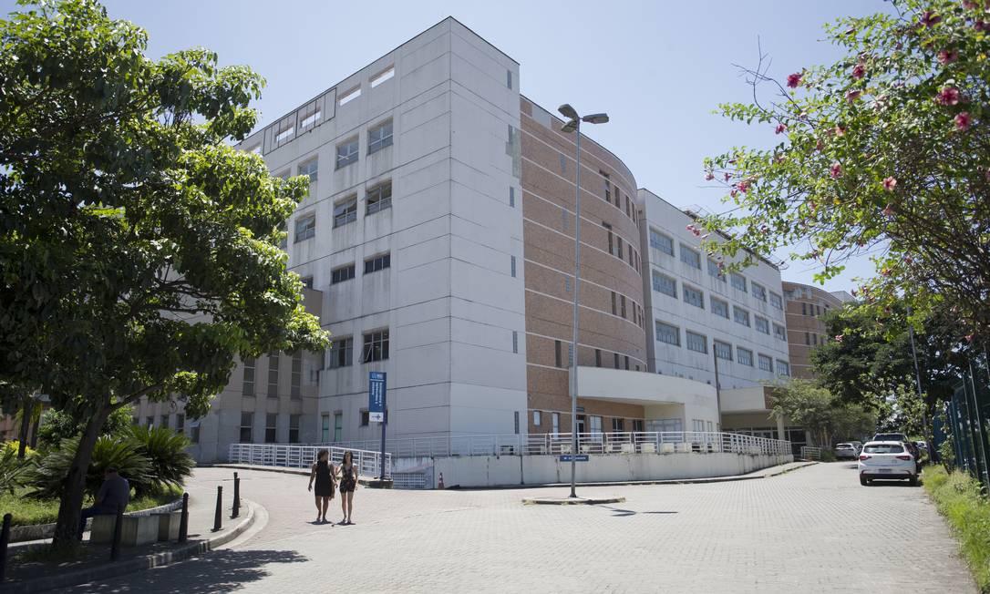 Hospital municipal Ronaldo Gazolla, em Acari, é uma das unidades com seleção de mão de obra extra Foto: Márcia Foletto / Agência O Globo