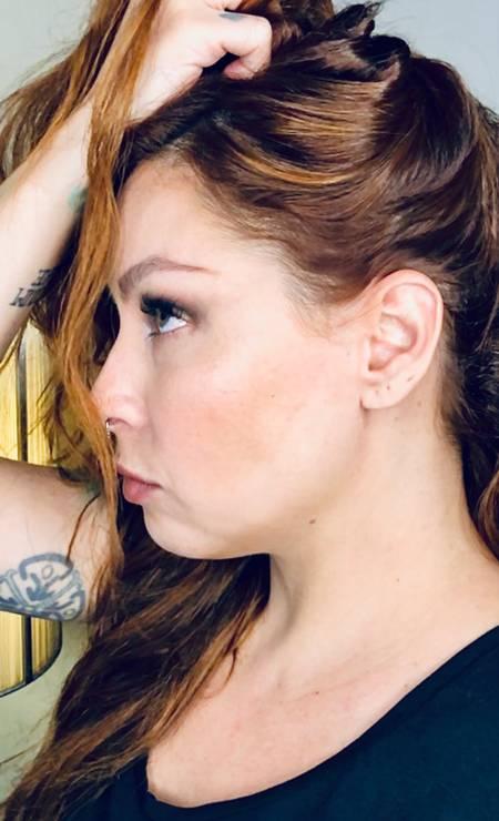 A cantora Pitty foi clicada remotamente Foto: Jorge Bispo