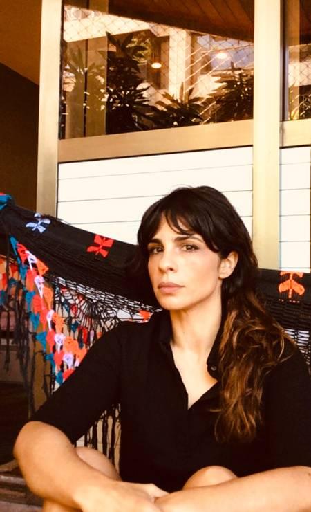 A atriz Maria Ribeiro em clique feito através do celular Foto: Jorge Bispo