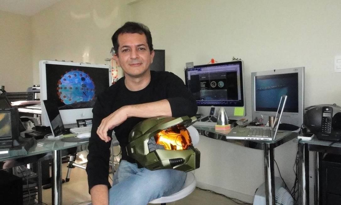 O cientista Sergio Cabral Cavalcanti envolvido na produção de um protótipo de respirador mais barato e acessível Foto: Divulgação