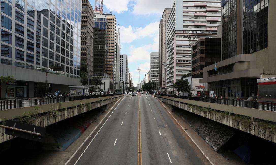 A Avenida Paulista, no coração de São Paulo, é outro lugar em que todo dia tem tido cara de domingo ou feriado Foto: AMANDA PEROBELLI / REUTERS
