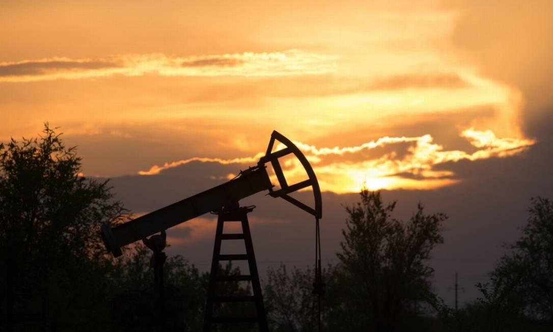 Poço de extração de petróleo nos EUA Foto: Bloomberg