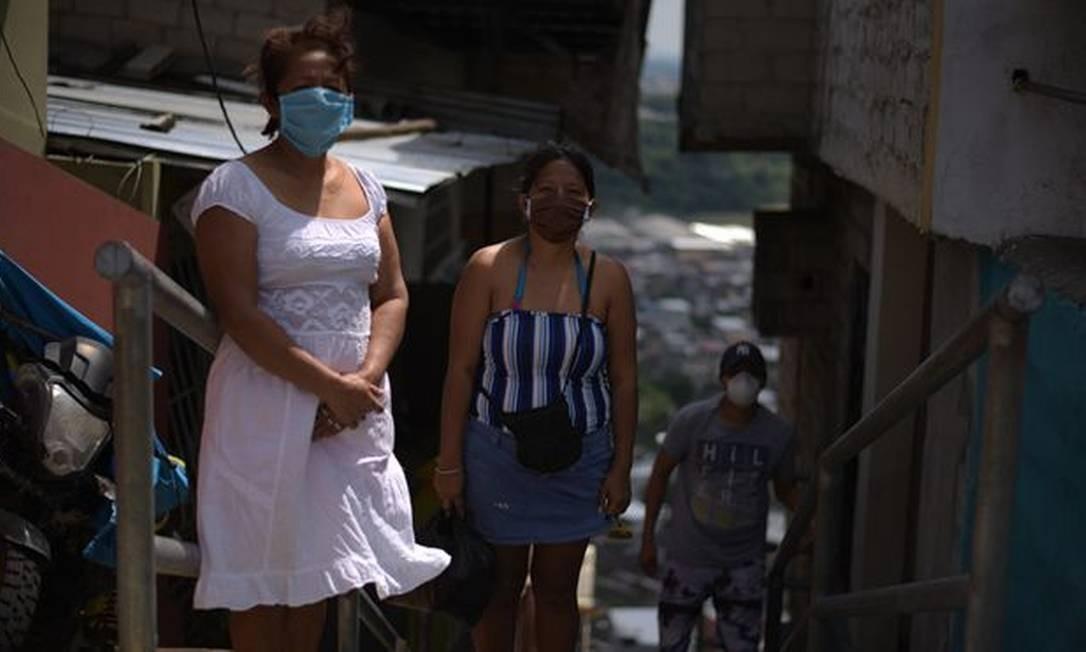Bertha e sua família vivem em um morro ao norte de Guayaquil Foto: BBC